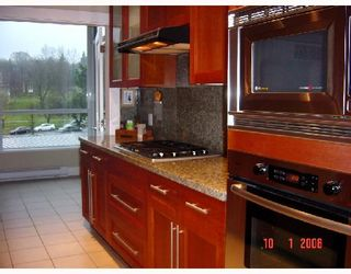 """Photo 3: 317 4685 VALLEY Drive in Vancouver: Quilchena Condo for sale in """"MARGUERITE HOUSE I"""" (Vancouver West)  : MLS®# V682960"""