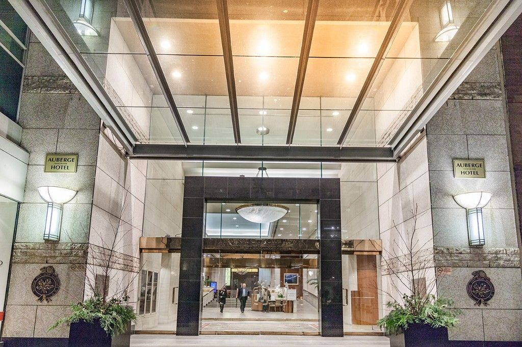 """Photo 3: Photos: 1901 837 W HASTINGS Street in Vancouver: Downtown VW Condo for sale in """"TERMINAL CITY CLUB"""" (Vancouver West)  : MLS®# R2134243"""