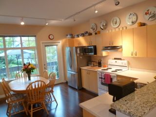 Photo 4: 41 18839 69 Avenue in Starpoint 2: Clayton Home for sale ()  : MLS®# F1322526