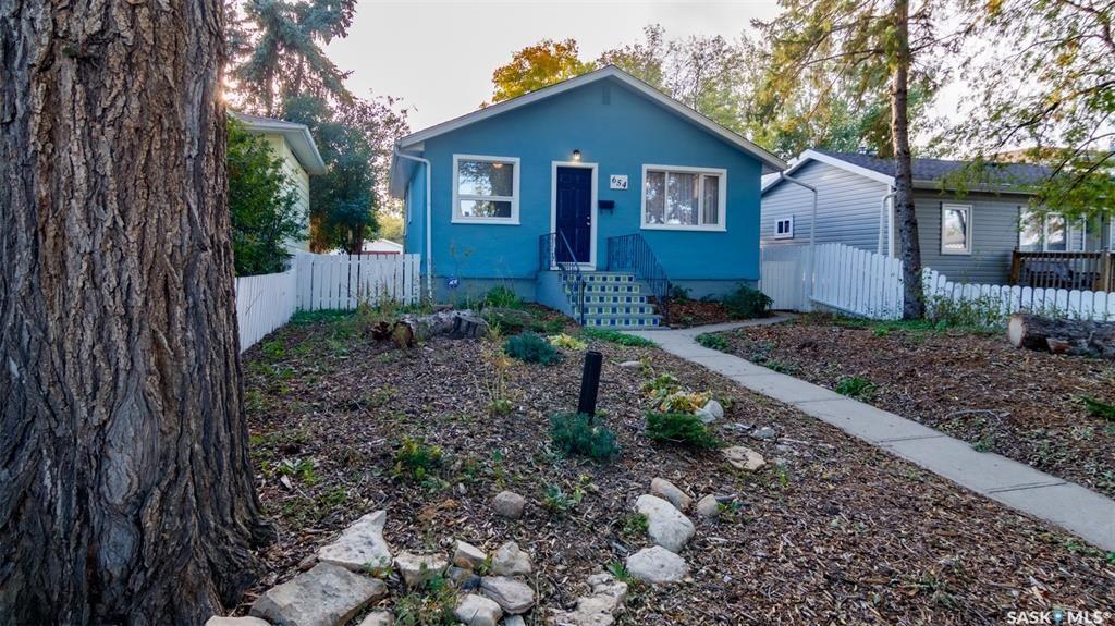 Main Photo: 654 Queen Street in Regina: Washington Park Residential for sale : MLS®# SK870940