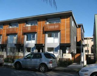 """Main Photo: 1470 ARBUTUS Street in Vancouver: Kitsilano Townhouse for sale in """"THE POINT AT KITS"""" (Vancouver West)  : MLS®# V636258"""