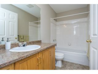 """Photo 16: 404 2335 WHYTE Avenue in Port Coquitlam: Central Pt Coquitlam Condo for sale in """"CHANELLOR'S COURT"""" : MLS®# R2141689"""