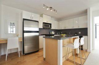 """Photo 15: 604 155 W 1ST Street in North Vancouver: Lower Lonsdale Condo for sale in """"TIME"""" : MLS®# R2335827"""