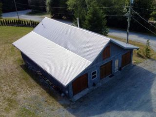 Photo 3: 3181 GLENROSA Road in No City Value: Out of Town House for sale : MLS®# R2609388
