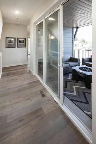 Photo 5: 338 SHAWNEE Boulevard SW in Calgary: Shawnee Slopes Detached for sale : MLS®# C4291561