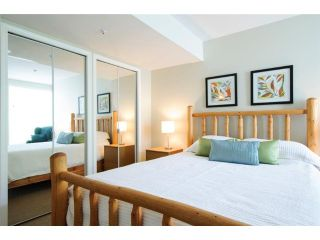 Photo 4: # 204 655 W 7TH AV in Vancouver: Fairview VW Condo for sale (Vancouver West)  : MLS®# V1024789
