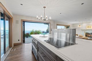 """Photo 3: 14170 WHEATLEY Avenue: White Rock House for sale in """"West Side"""" (South Surrey White Rock)  : MLS®# R2620331"""