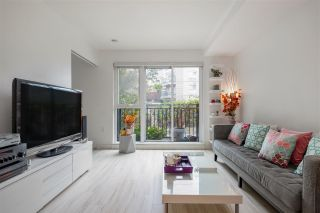 "Photo 8: 205 111 E 3RD Street in North Vancouver: Lower Lonsdale Condo for sale in ""VERSATILE"" : MLS®# R2510116"