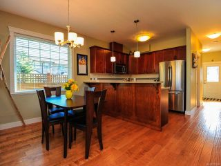 Photo 4: 12 2112 CUMBERLAND ROAD in COURTENAY: CV Courtenay City Row/Townhouse for sale (Comox Valley)  : MLS®# 781680