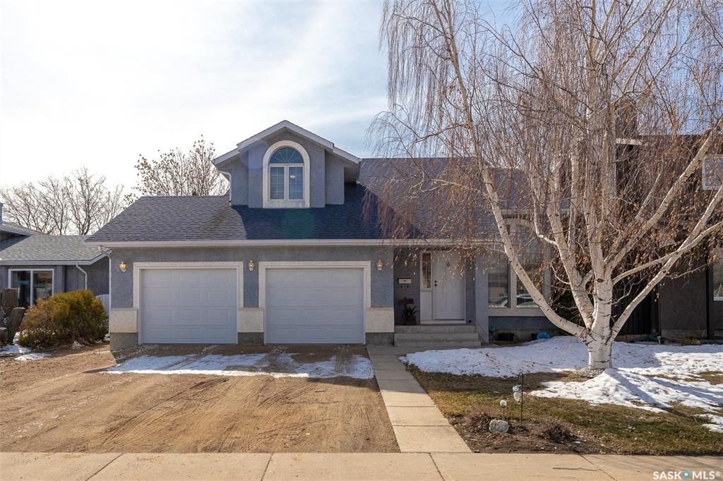 Main Photo: 418 Fehr Crescent in Martensville: Residential for sale : MLS®# SK848695