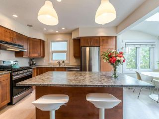 Photo 13: 1606 E 10TH Avenue in Vancouver: Grandview Woodland House for sale (Vancouver East)  : MLS®# R2579032