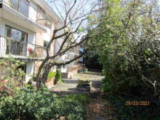 """Photo 17: 210 2330 MAPLE Street in Vancouver: Kitsilano Condo for sale in """"Maple Gardens"""" (Vancouver West)  : MLS®# R2566982"""