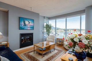 Photo 4: 502 9809 Seaport Pl in Sidney: Si Sidney North-East Condo for sale : MLS®# 883312