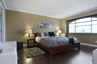 """Photo 10: 8407 215 Street in Langley: Walnut Grove House for sale in """"Forest Hills"""" : MLS®# R2159381"""