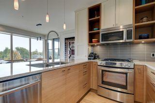 Photo 12: 305 1969 Oak Bay Ave in Victoria: Vi Fairfield East Condo for sale : MLS®# 885166
