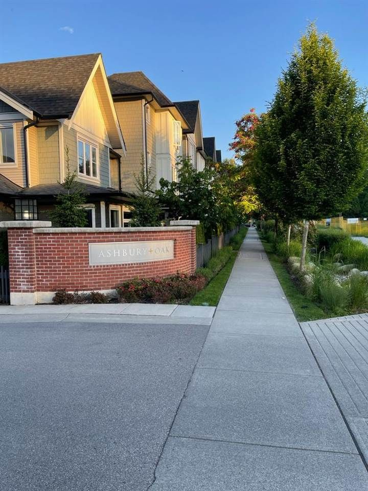 """Main Photo: 21 8050 204 Avenue in Langley: Willoughby Heights Townhouse for sale in """"Ashbury & Oak"""" : MLS®# R2587846"""