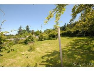 Photo 3: 5385 Pat Bay Hwy in VICTORIA: SE Cordova Bay House for sale (Saanich East)  : MLS®# 542570