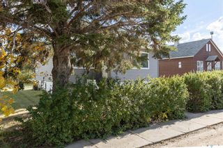 Photo 3: 207 3rd Avenue West in Blaine Lake: Residential for sale : MLS®# SK871268