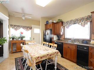 Photo 7: 907 Raynor in Victoria: Victoria West Home for sale : MLS®# 376909