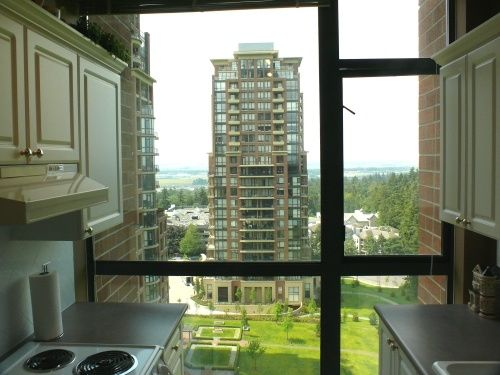 "Photo 11: Photos: 1408 6837 STATION HILL Drive in Burnaby: South Slope Condo for sale in ""THE CLARIDGES - CITY IN THE PARK"" (Burnaby South)  : MLS®# V770790"