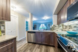 """Photo 8: 35 22411 124 Avenue in Maple Ridge: East Central Townhouse for sale in """"Creekside Village"""" : MLS®# R2404347"""