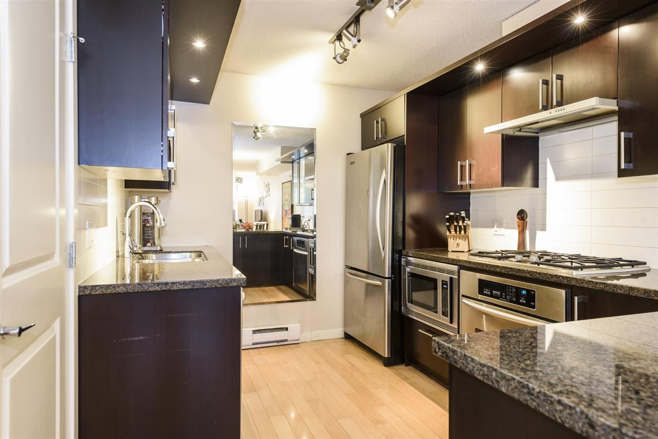 Photo 8: Photos: 1644 W 7TH AVENUE in Vancouver: Fairview VW Townhouse for sale (Vancouver West)  : MLS®# R2543861