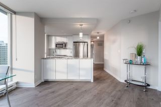 Photo 6: 1906 918 Cooperage Way in Vancouver: Yaletown Condo for sale (Vancouver West)  : MLS®# R2539627