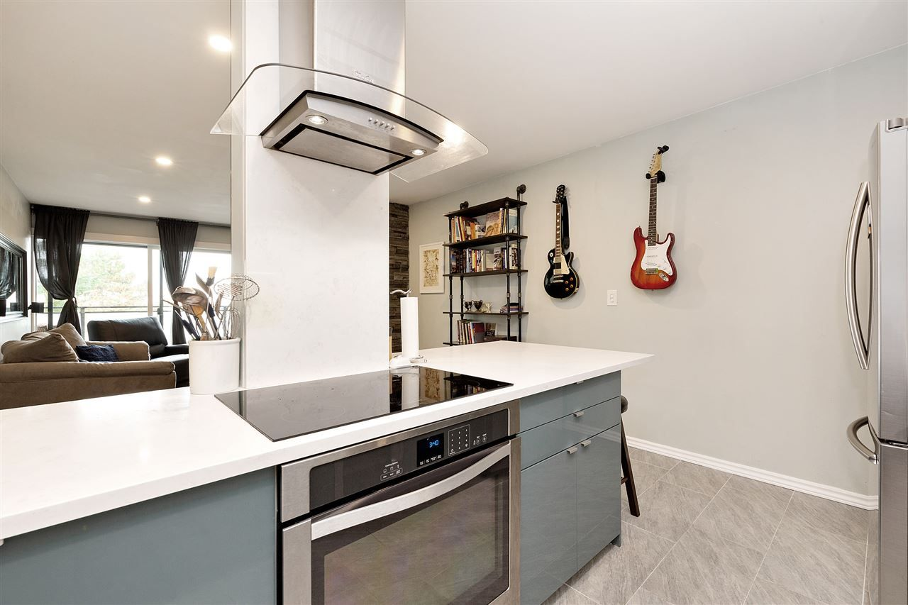 "Main Photo: 313 1066 E 8TH Avenue in Vancouver: Mount Pleasant VE Condo for sale in ""Landmark Caprice"" (Vancouver East)  : MLS®# R2523696"