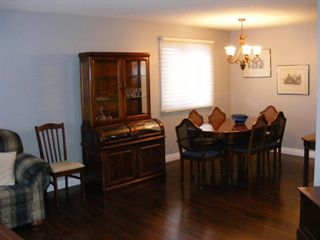 Photo 2: 132 Whiteview Place NE in Calgary: Whitehorn Detached for sale : MLS®# A1049368