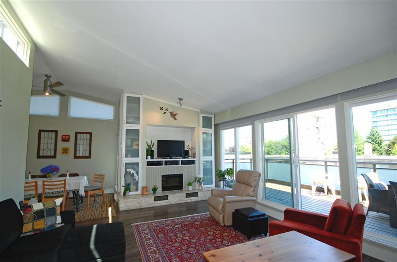 FEATURED LISTING: 401 - 1035 11TH Avenue West Vancouver