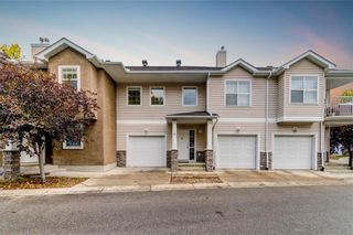 Main Photo: 8 2318 17 Street SE in Calgary: Inglewood Row/Townhouse for sale : MLS®# A1074008