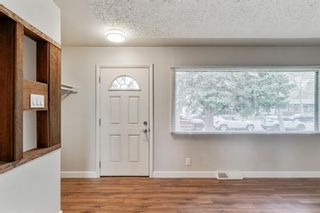 Photo 5: 2506 35 Street SE in Calgary: Southview Detached for sale : MLS®# A1146798