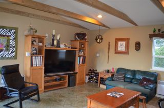 Photo 2: 2549 ROSS Road in Abbotsford: Aberdeen House for sale : MLS®# R2569446