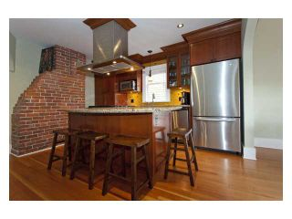 """Photo 4: 2356 CHARLES Street in Vancouver: Grandview VE House for sale in """"COMMERCIAL DRIVE"""" (Vancouver East)  : MLS®# V826451"""