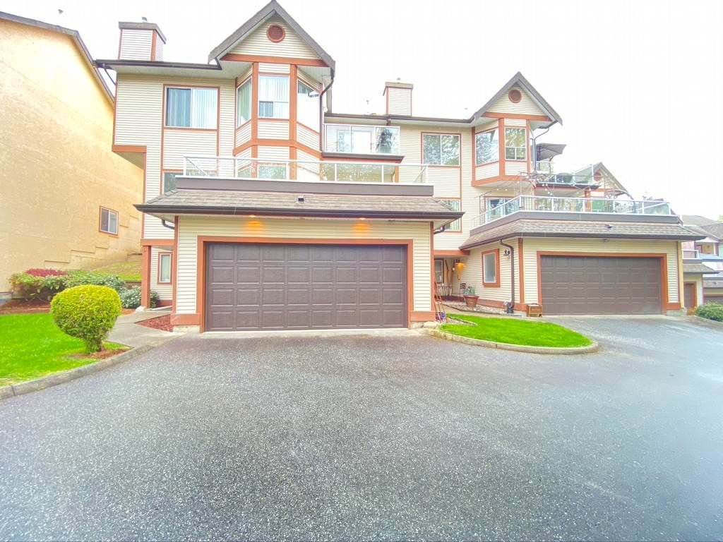 Main Photo: 53 23151 HANEY Bypass in Maple Ridge: East Central Townhouse for sale : MLS®# R2572230