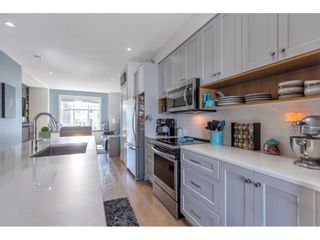 "Photo 5: 98 27735 ROUNDHOUSE Drive in Abbotsford: Aberdeen Townhouse for sale in ""Roundhouse"" : MLS®# R2566201"