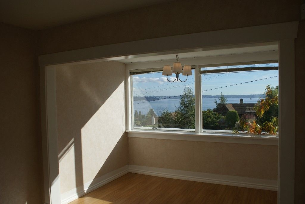 Photo 14: Photos: 2595 Lawson Avenue in West Vancouver: Dundarave House for rent