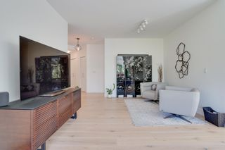 """Photo 7: 305 6328 LARKIN Drive in Vancouver: University VW Condo for sale in """"JOURNEY"""" (Vancouver West)  : MLS®# R2605974"""