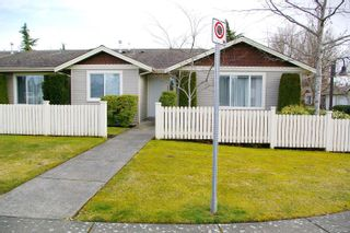 Photo 2: 13 1050 8th St in : CV Courtenay City Row/Townhouse for sale (Comox Valley)  : MLS®# 869329