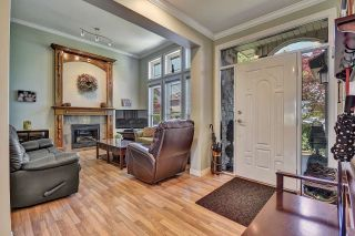 Photo 3: 7901 155A Street in Surrey: Fleetwood Tynehead House for sale : MLS®# R2611912