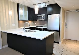 """Photo 6: 904 7328 ARCOLA Street in Burnaby: Highgate Condo for sale in """"Esprit 1"""" (Burnaby South)  : MLS®# R2527920"""