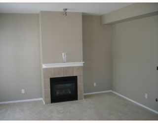 """Photo 2: 221 3000 RIVERBEND Drive in Coquitlam: Meadow Brook House for sale in """"RIVERBEND"""" : MLS®# V664257"""