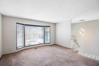 Photo 4: 72 Shawmeadows Crescent SW in Calgary: Shawnessy Detached for sale : MLS®# A1097940