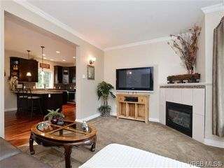 Photo 3: 765 Danby Pl in VICTORIA: Hi Bear Mountain House for sale (Highlands)  : MLS®# 723545