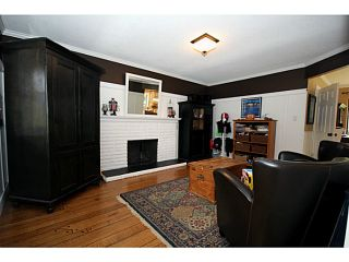 """Photo 3: 1073 SHAMAN Crescent in Tsawwassen: English Bluff House for sale in """"THE VILLAGE"""" : MLS®# V1012662"""