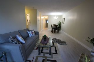 """Photo 7: 14821 HOLLY PARK Lane in Surrey: Guildford Townhouse for sale in """"HOLLY PARK LANE"""" (North Surrey)  : MLS®# R2226961"""