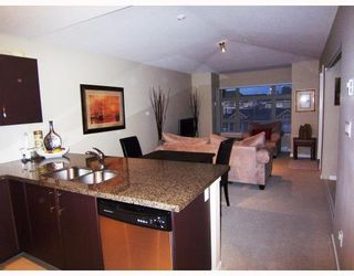 """Photo 7: 401 7339 MACPHERSON Avenue in Burnaby: Metrotown Condo for sale in """"CADENCE"""" (Burnaby South)  : MLS®# V793973"""