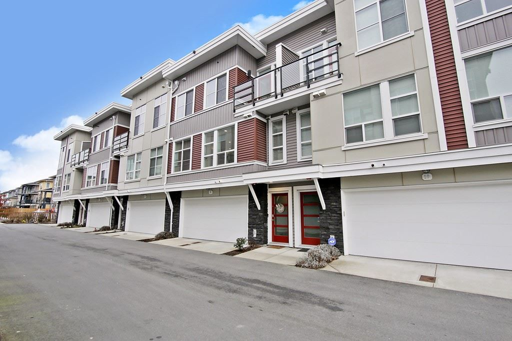 """Main Photo: 9 8466 MIDTOWN Way in Chilliwack: Chilliwack W Young-Well Townhouse for sale in """"Midtown 2"""" : MLS®# R2542254"""