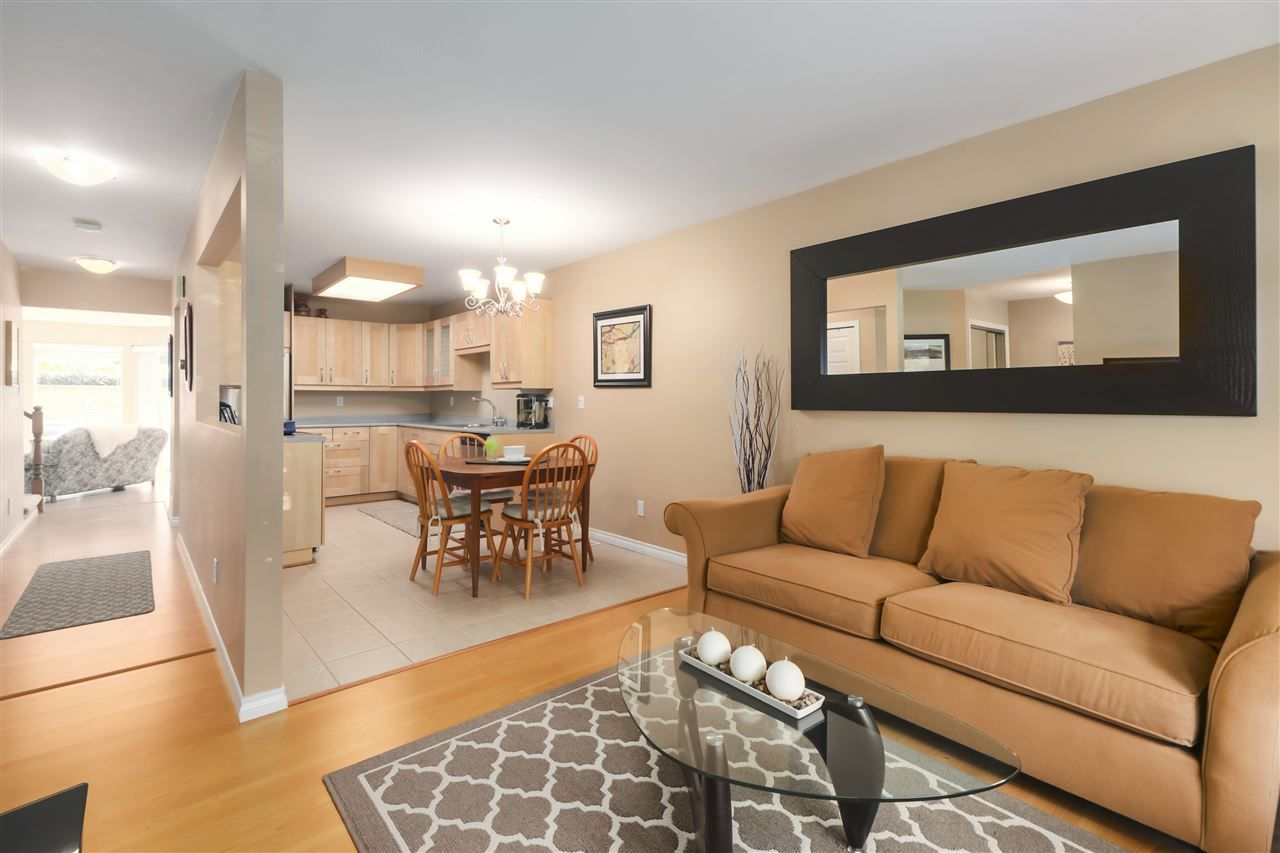 """Photo 5: Photos: 10 11500 NO. 1 Road in Richmond: Steveston South Townhouse for sale in """"MAGNOLIA COURT"""" : MLS®# R2493915"""