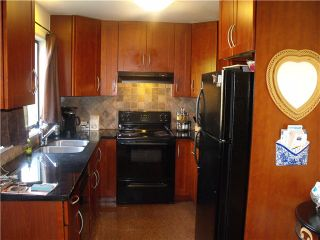 """Photo 10: 3249 DUNKIRK Avenue in Coquitlam: New Horizons House for sale in """"NEW HORIZONS"""" : MLS®# V1112846"""